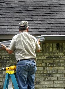 Bitume toiture : Caractéristiques, avantages, pose et prix indicatifs